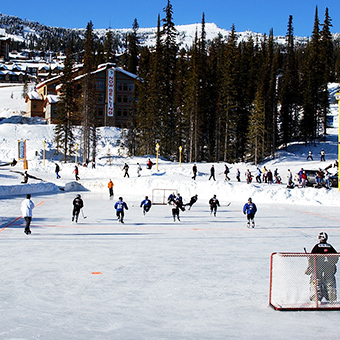 Ice Hockey - Photo: Big White Ski Resort