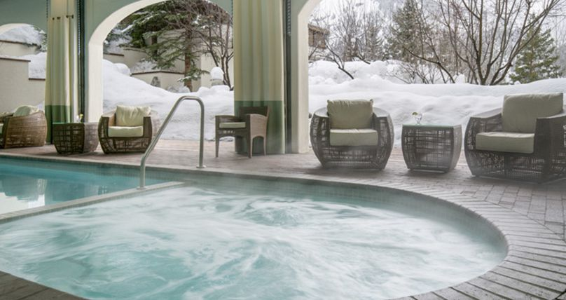 Fantastic on-site facilities including hot tub and pool. Photo: Knob Hill Inn - image_5