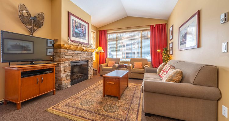 Spacious one, two and three bedroom condos - image_4