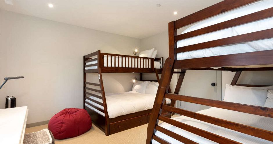 Flexible bedding options including bunk beds for the kids. - image_4