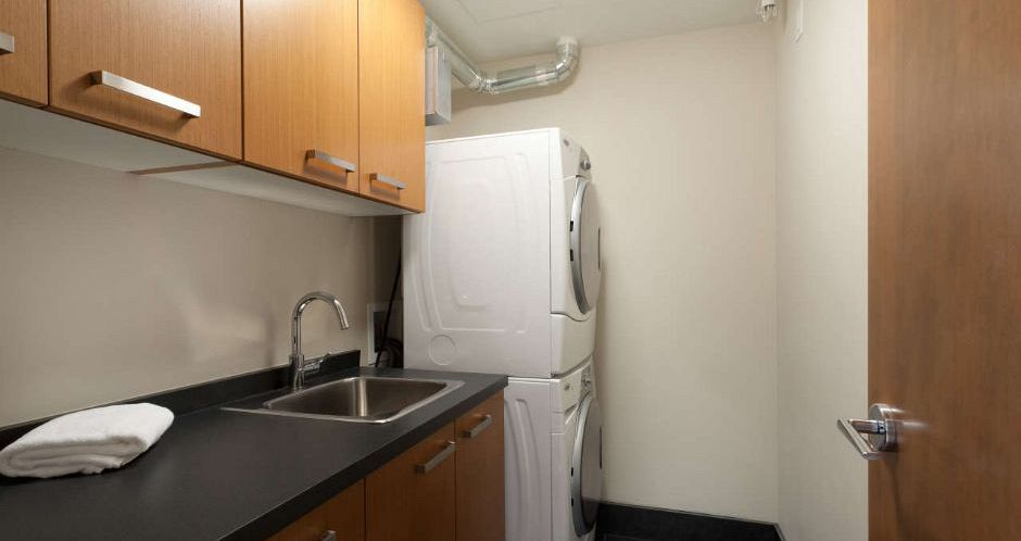 All units boast a private washer and dryer. - image_5