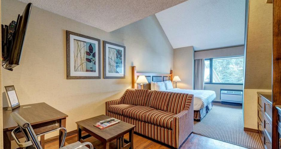 Hotel rooms perfect for couples and small families in Whistler. - image_4