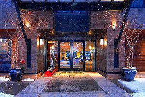 Step inside to warm & welcoming hospitality at the Limelight Hotel in Aspen. Photo: Limelight Aspen