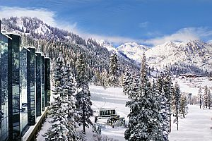 Fantastic slopes location in the heart of Squaw Valley. Photo: Destination Hotels