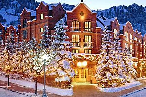Setting the bar high for luxury hotels in Aspen. Photo: St Regis Aspen