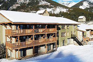 Pine Inn Hotel - Photo: Panorama Mountain Resort