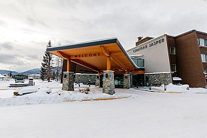 Chateau Jasper is a great value hotel in the heart of Jasper. Photo: Pursuit