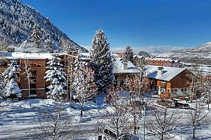 Ideally located in the heart of downtown Aspen. Photo: Frias Properties