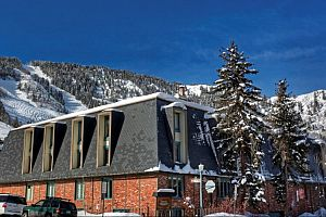Chateau Chaumont is wonderfully located in the heart of downtown Aspen. Photo: Frias Properties