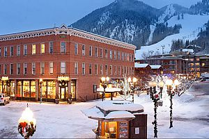 Situated in a wonderful downtown location, close to the slopes of Ajax Mountain. Photo: Independence Square Hotel