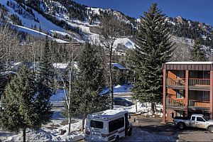 Ideal downtown location close to the slopes of Ajax Mountain. Photo: Frias Properties