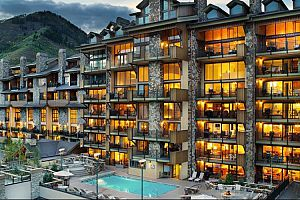 The Landmark in Vail is a perfect property for a family ski vacation. Photo: Two Roads Hospitality