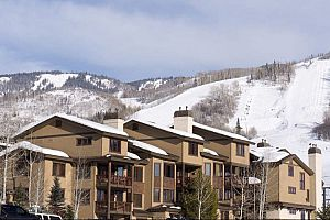 Fantastic ski-in ski-out location on the slope of Steamboat Ski Resort. Photo: Resort Lodging Company