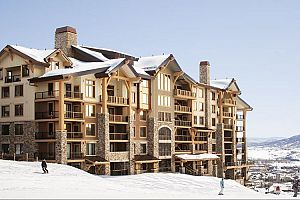 Enjoy fantastic slopeside access to Steamboat ski resort. Photo: Edgemont Condos
