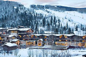 Manor Vail is located right across from the slopes.
