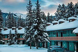Fantastic lodge-style hotel in Lake Louise. Photo: Lake Louise Inn