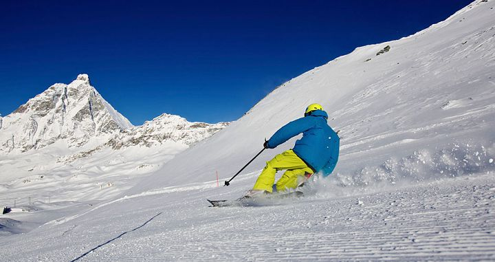 Skiing the piste in Cervinia. Photo: Cervinia Tourism. - image 0