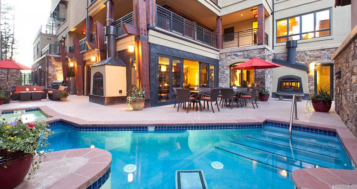 Outdoor pool and hot tubs for the whole family  - image_2