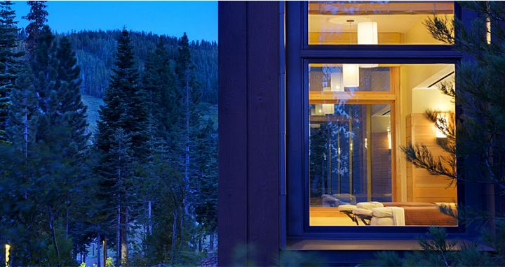 Mountain and valley views throughout. Photo: Ritz-Carlton Lake Tahoe - image_9