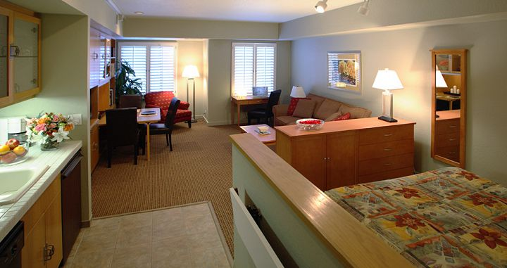 Great spacious studios for couples and solo skiers. Photo: Squaw Valley Lodge - image_1