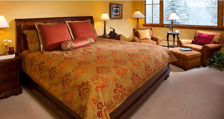 Flexible bedding options for the whole family. Photo: Elkhorn Lodge - image_3