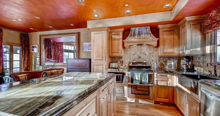 Well equipped kitchens and dining areas for families. - image_2