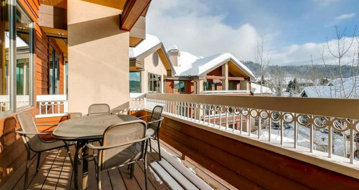 All condos feature a private balcony with valley and mountain views. Photo: Wyndham Vacations - image_6