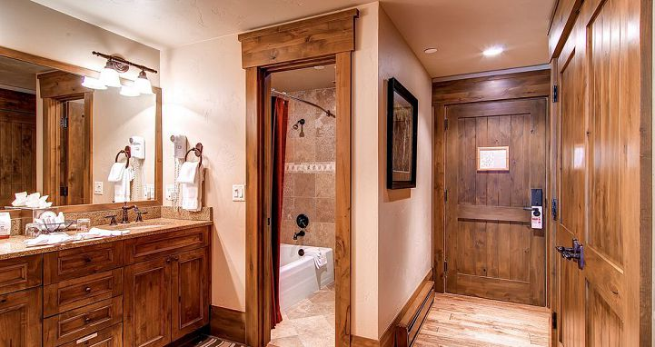 Well-appointed bathrooms in each condo. Photo: The Charter at Beaver Creek - image_2