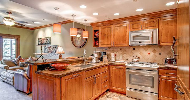 Well-equipped kitchens to cook up a storm on your ski vacation. Photo: The Charter at Beaver Creek - image_7