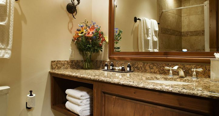 Well-appointed bathrooms throughout. Photo: Tivoli Lodge - image_4