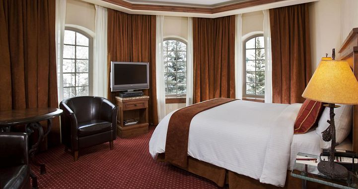 Enjoy a romantic ski vacation in Vail at the Tivoli. Photo: Tivoli Lodge - image_3