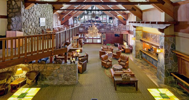 Enjoy the lodge-style vibes throughout Mammoth Mountain Inn. Photo: Mammoth Mountain Inn - image_3