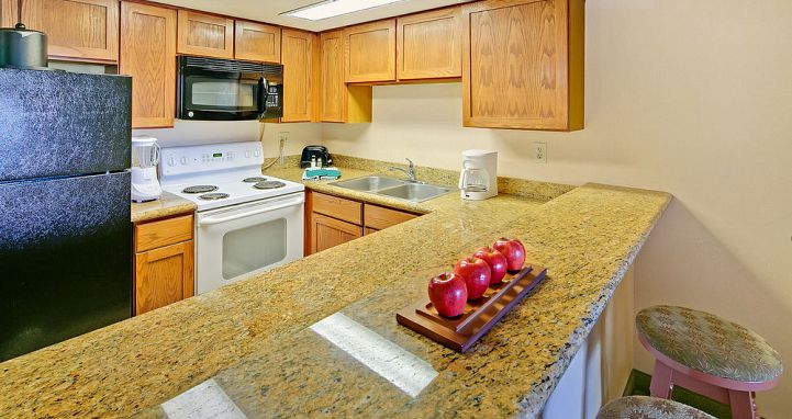 Well-equipped kitchens for a self-catered stay in Mammoth. Photo: Mammoth Mountain Inn - image_13