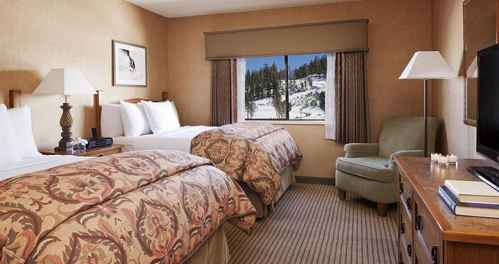 Flexible bedding options for groups and families. Photo: Mammoth Mountain Inn - image_4